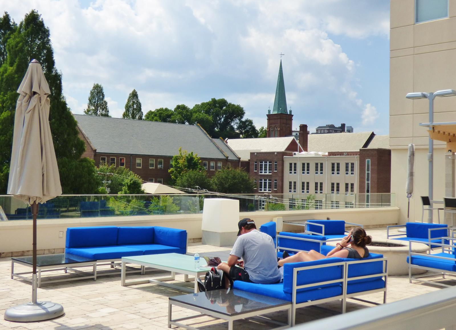 10 tips for a perfect weekend in asheville nc outdoorlux - Extraordinary and relaxing rooftop pools ideas ...