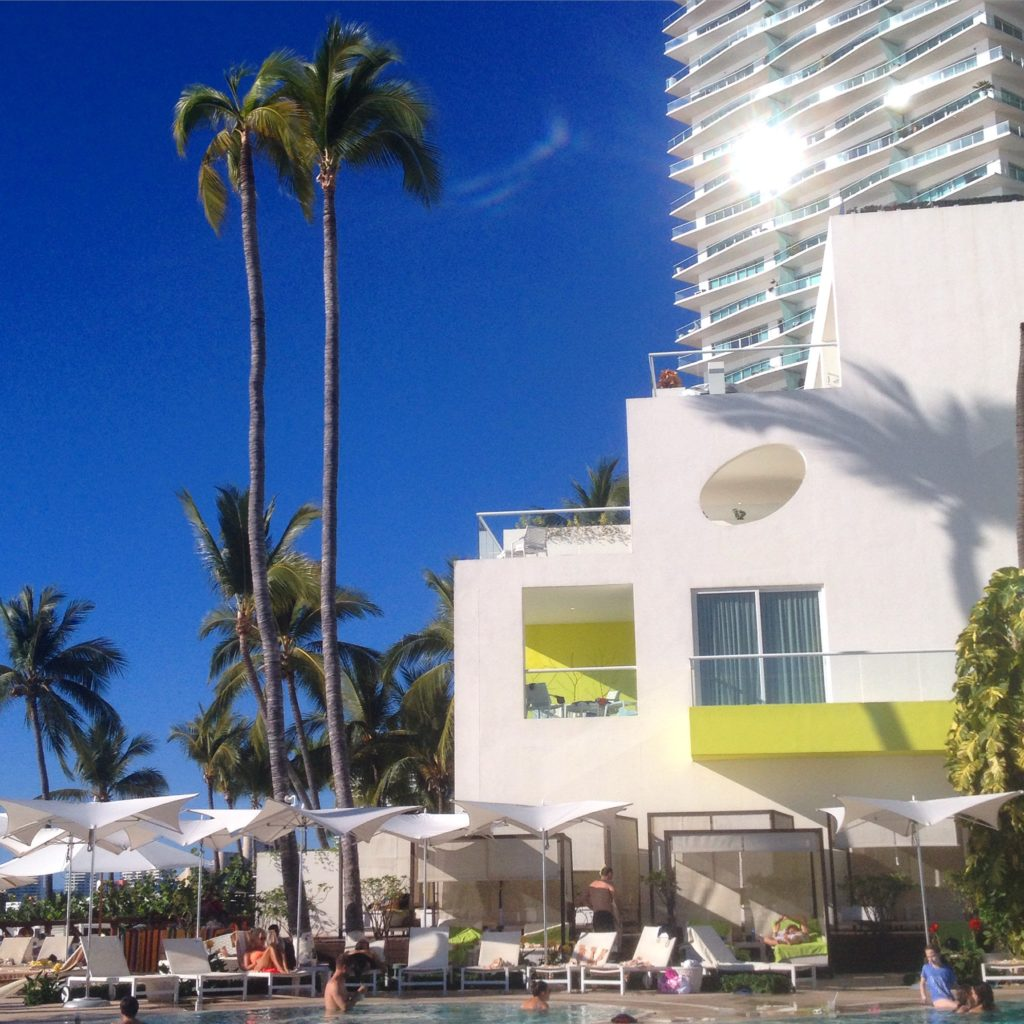 hilton-vallarta-fails-outdoorlux